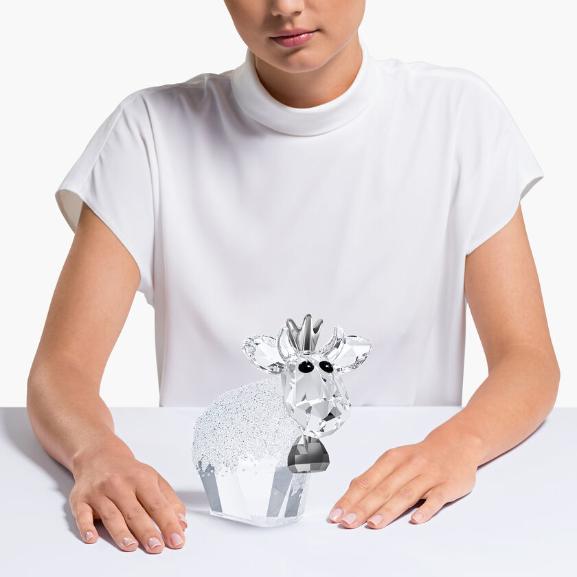 Birthday Princess Mo Showcasing 203 crystal facets
